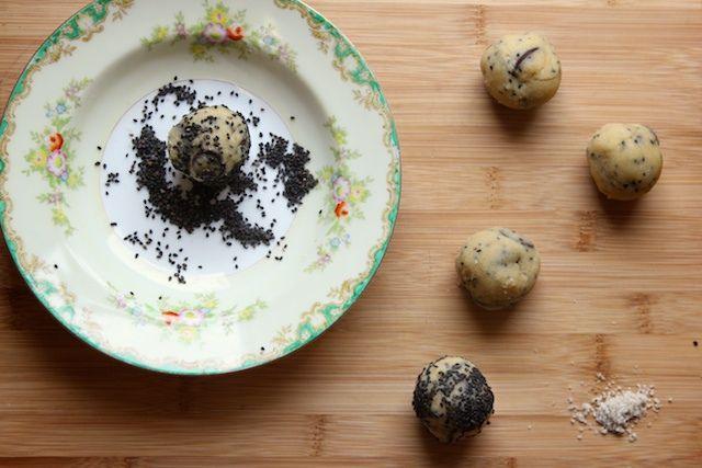 Salty Sesame And Dark Chocolate Chip Cookies Recipe — Dishmaps