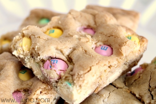 white chocolate m amp m cookie bars think i ll be making them this ...