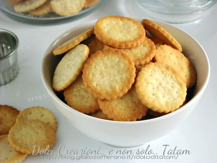 Homemade Ritz Crackers [in Italian, requires translation, use Google ...