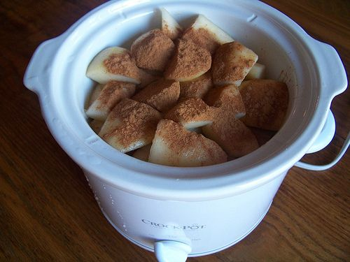 Homemade Crock Pot Pear Sauce (or Applesauce)