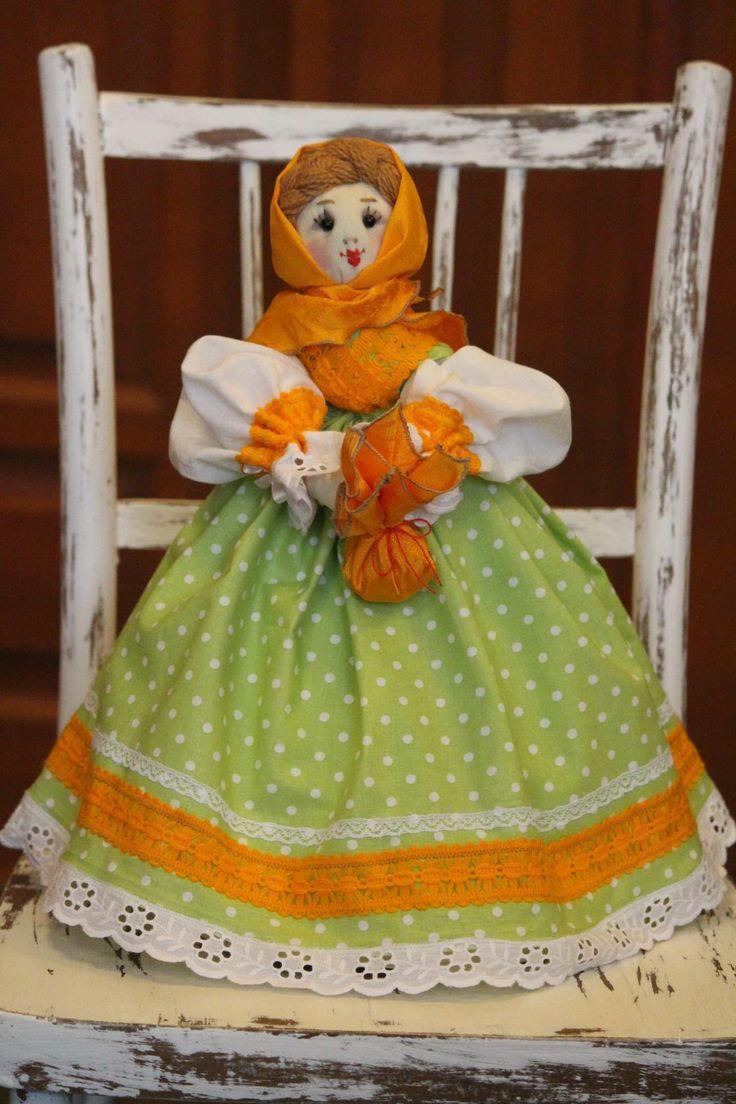 Вязаная кукла грелка на чайник своими руками 25