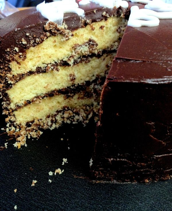 ... chocolate frosting bakes classic yellow cake with chocolate frosting