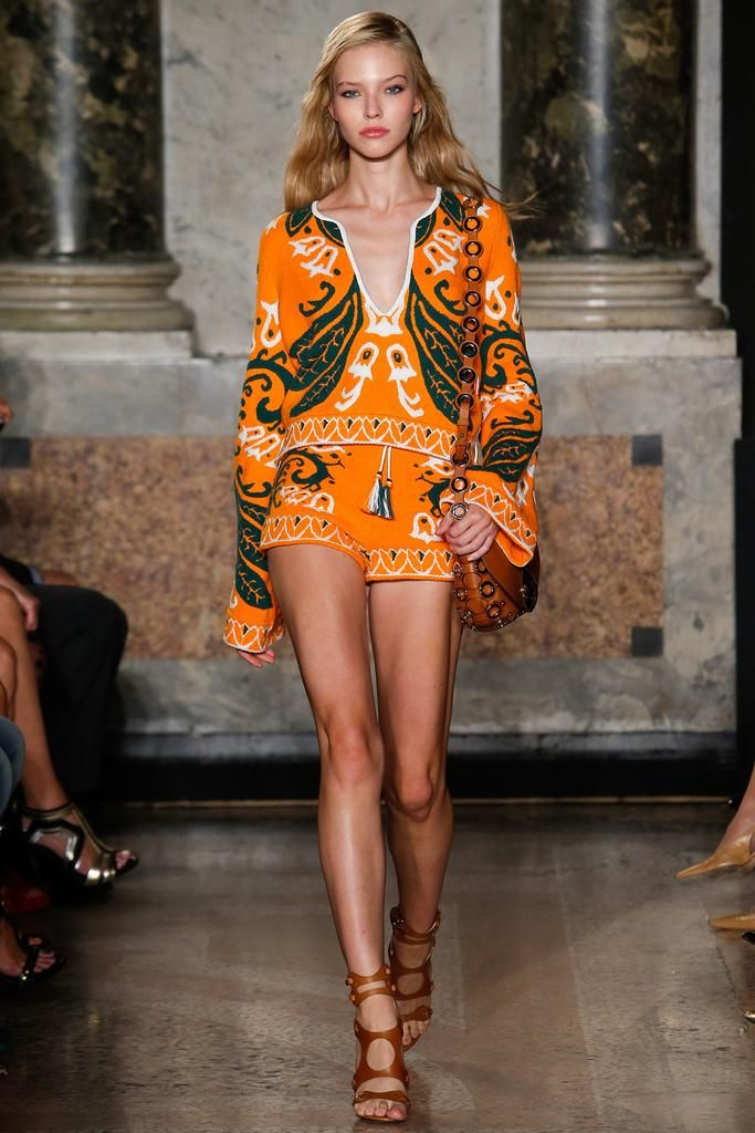 Emilio Pucci Spring 2015 Ready-to-Wear - Collection - Gallery . 1970's inspired high fashion at Milan fashion week