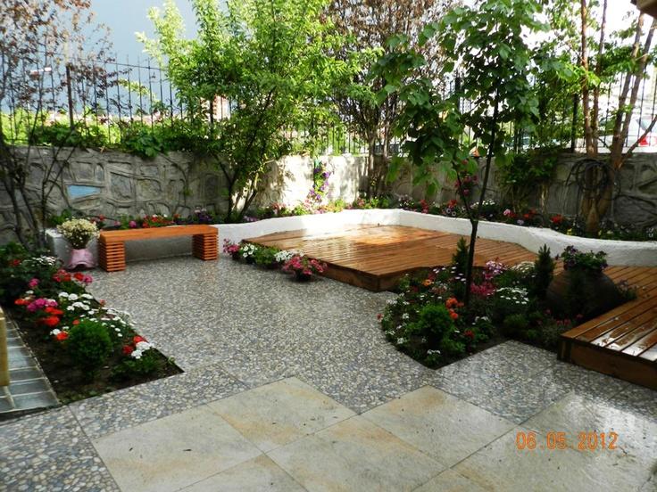 Small garden bah e garden pinterest for Landscape gardening for small gardens