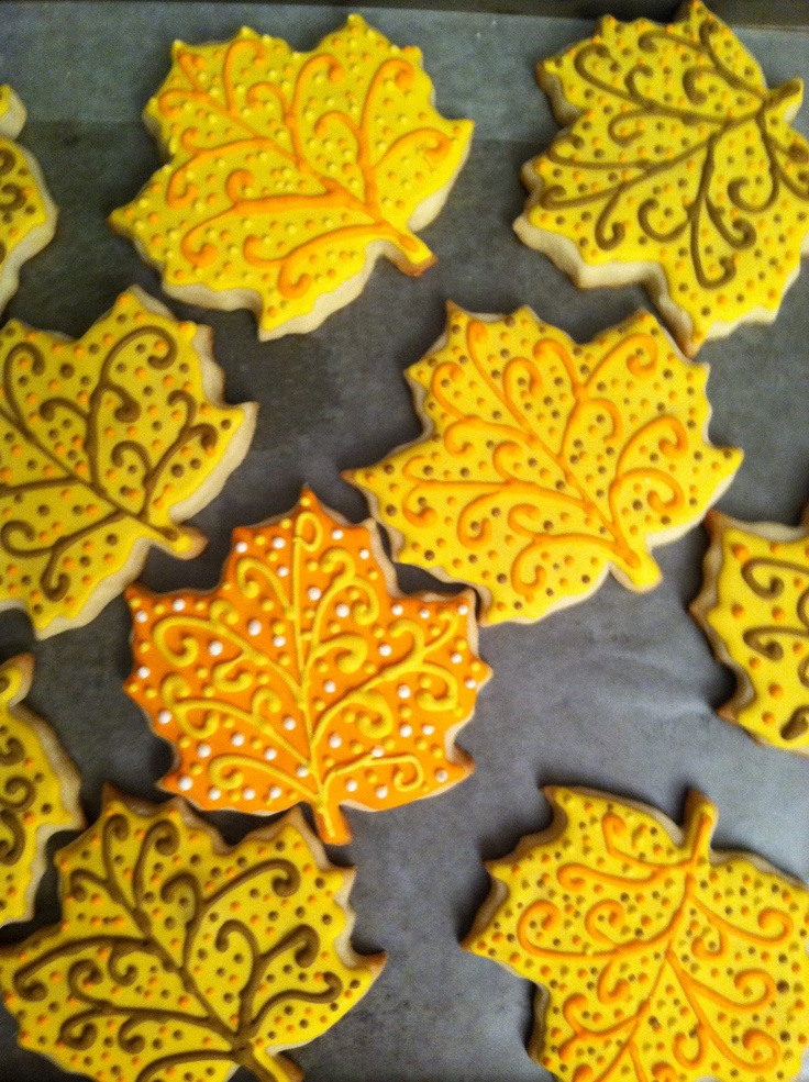... Maple Leaf Cookies | Halloween and fall cookies | Pinter