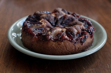 Plaufmenkuchen - Yeasted Plum Cake | Pastry and Sweets | Pinterest