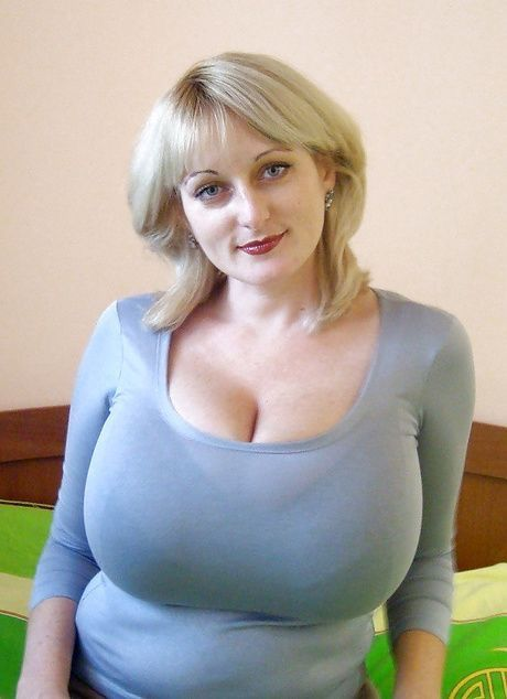 Big titted MILF Taylor Steele puts her BBW tits on display outdoor № 29793 без смс