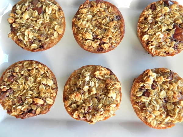 Low-Fat Banana Oatmeal Chip Muffin      Ingredients:    3 large ripe bananas (mashed)  1/2 cup brown sugar  1 chia egg (1 tbsp chia seed + 3 tbsp water)  1 tsp baking soda  1 tsp baking powder  1 cup whole wheat flour  1/2 cup rolled oats  1/3 cup applesauce (unsweetened)  1/2 teaspoon salt  1/2 cup carob/cacao chips