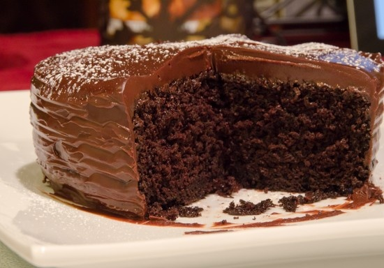 Chocolate cake with Ganache Glaze | Great Recipes | Pinterest