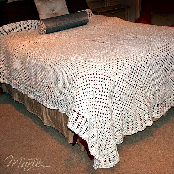 Crochet Patterns Queen Size Bed : Gorgeous Antique White King/Queen Size Crocheted Quilt / Beautiful ...