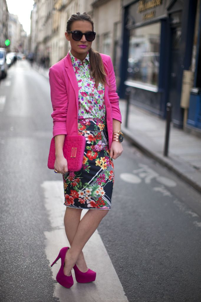what-do-i-wear:    Stradivarius Blazer, Vintage Floral Blouse, Missguided Floral Pencil Skirt, Marc Jacobs ipad case (used as clutch), ASOS Sunglasses + Bracelets, YSL Arty Rings & Missguided Pink Platforms.  (image: befrassy)