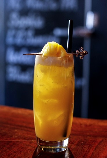 Pineapple Pisco Punch | It's 5 O'clock somewhere - Cocktail Hour! | P...