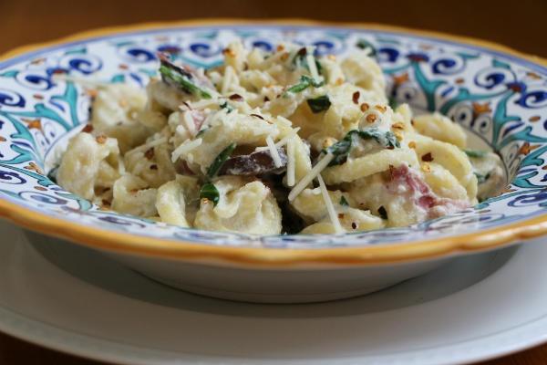Pasta with ham and mushrooms in a creamy ricotta sauce - CSMonitor.com