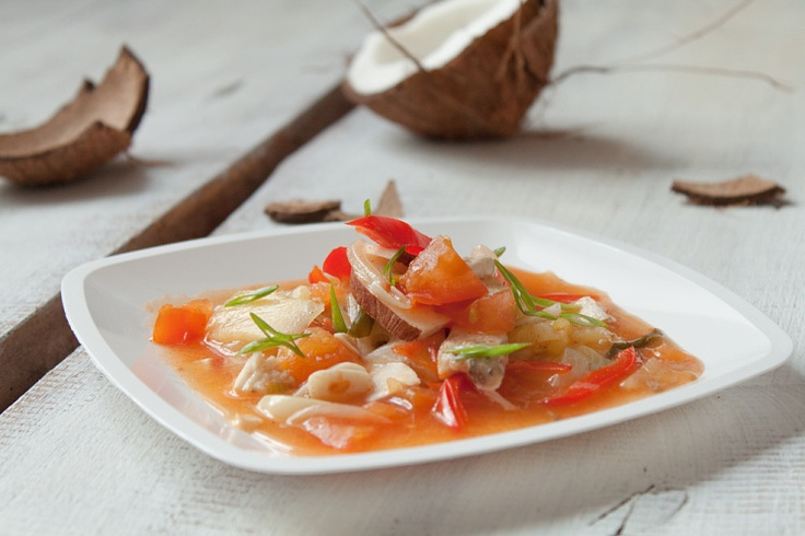 Fish Stew 300-350 g fish fillets like cod or sea bass 1 yellow onion ...
