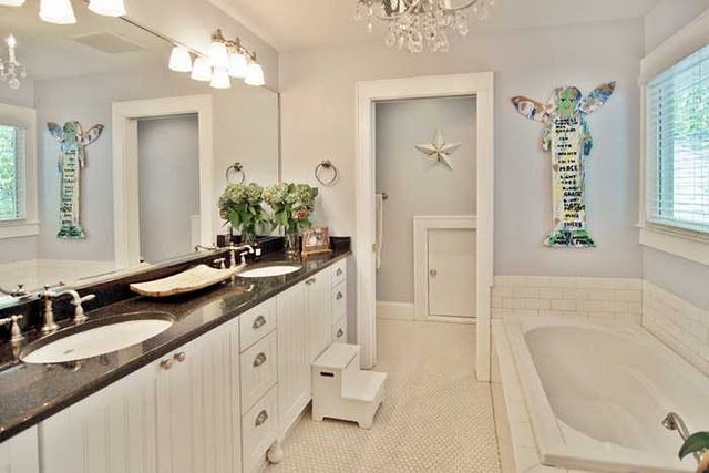 Cottage master bathroom pretty old cottages pinterest for Pretty master bathrooms