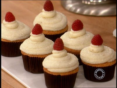 Meyer Lemon Raspberry Cupcakes | Good Videos | Pinterest