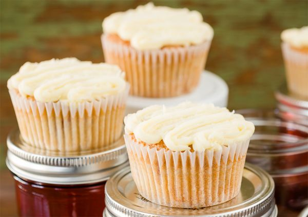 ... Your Inner Southern Spirit with These Sweet Tea Moonshine Cupcakes
