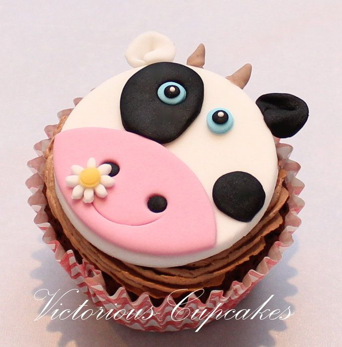 Cow cupcake topper Cupcakes   Pinterest
