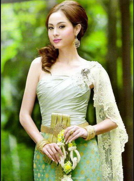Thai Traditional Dress | Garden | Pinterest