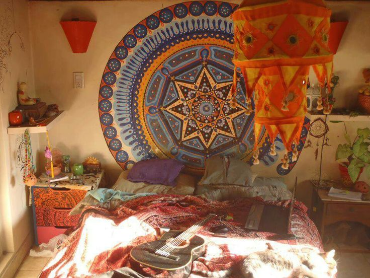 Cozy hippie bedroom  Hippie and eco homes.  Pinterest
