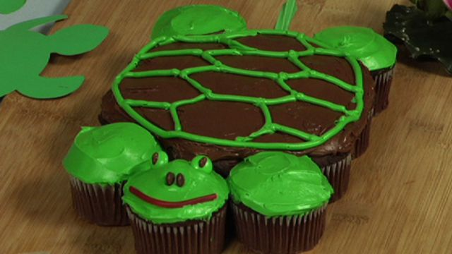 How to make pull-apart turtle cupcakes | cooking & recipes | Pinterest