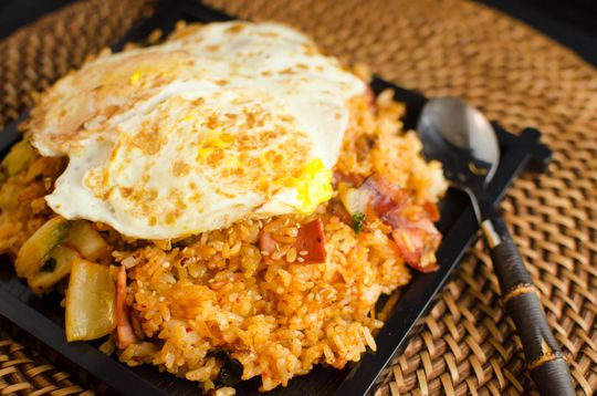 RECIPE kimchi and bacon fried rice topped with fried egg!