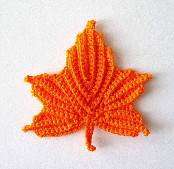 Crochet Patterns Free Leaf : Maple Leaves Crochet Pattern
