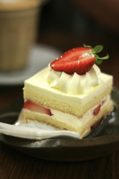Japanese Strawberry Shortcake | Japanese Snack | Pinterest