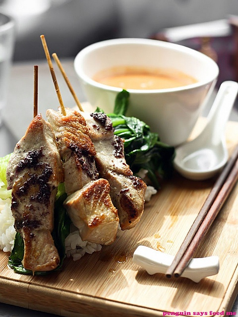 The Tassie peppered seared tuna skewers comes arranged beautifully on ...