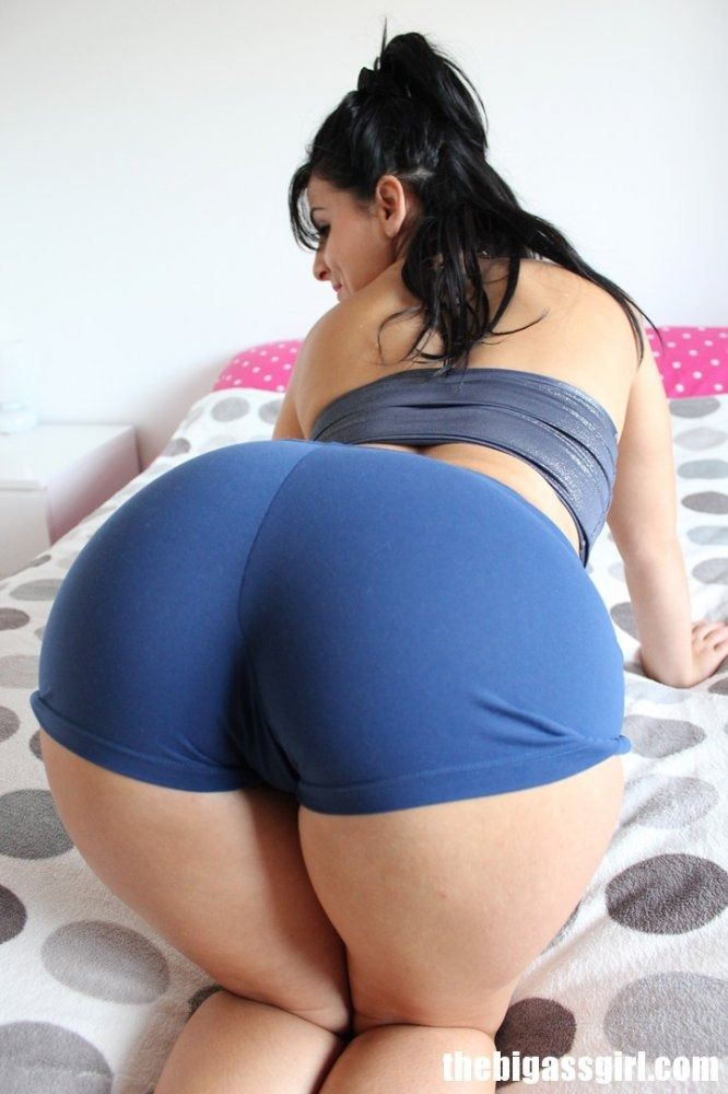 Latina fatty with a big ass and huge fat tits oils herself up to play a solo № 1298738 без смс