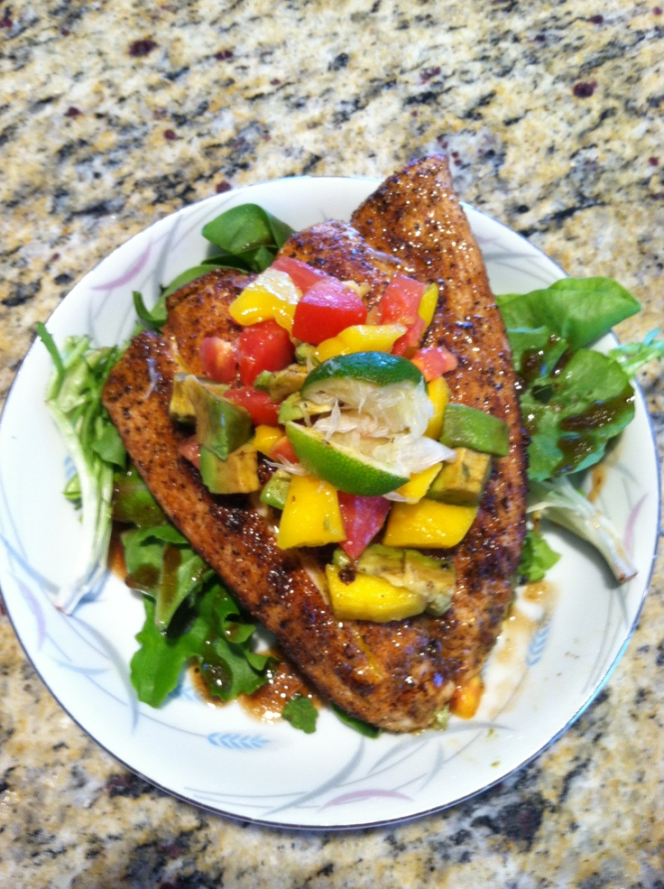 ... mango salsa on a bed of baby greens w/ a balsamic reduction... YUMMY