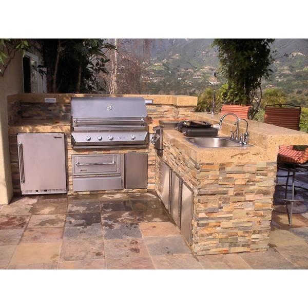 Outdoor kitchens for Outdoor kitchen ideas pinterest