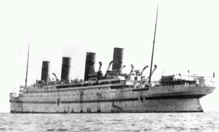 Hmhs britannic titanic olympic britannic pinterest - Construccion del titanic ...