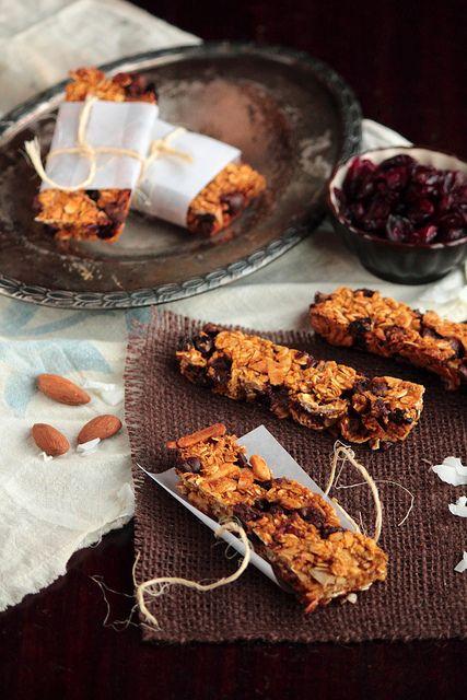 Pumpkin Chocolate Granola Bars. Made with pumpkin puree, applesauce ...