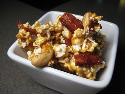Bacon & Cashew Caramel Popcorn | Movie Night | Pinterest