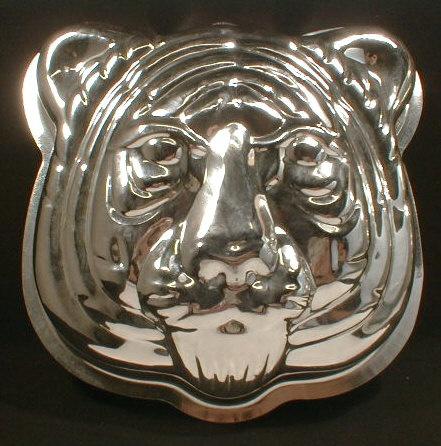 tiger cake pan