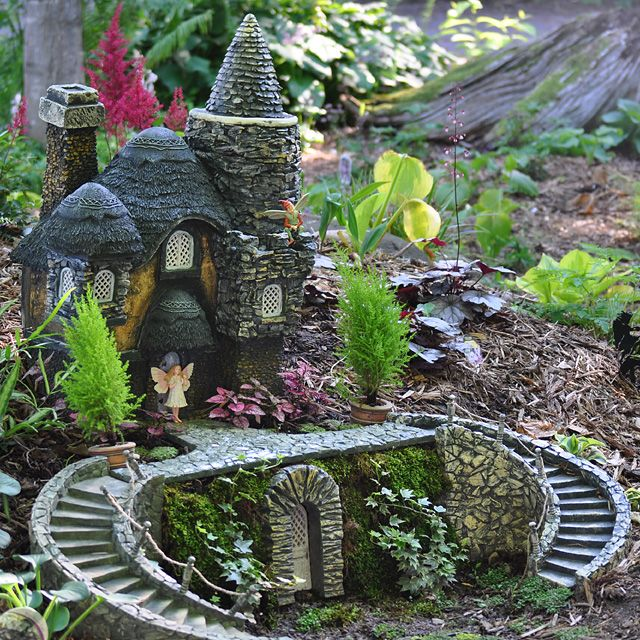 Fairy castle your fairy gardens project photos pinterest Small garden fairies
