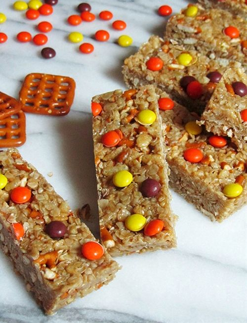 No Bake Peanut Butter Granola Bars. Made sans pretzels, yummy. Oh and ...