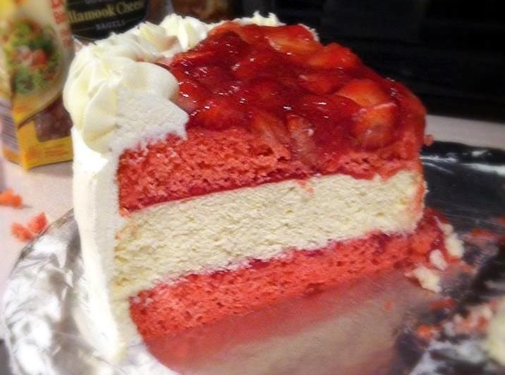 Strawberry Cheesecake-Cake   Cat's Cakes & Pies   Pinterest