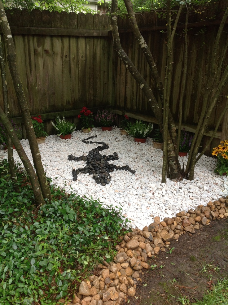 Pin by leticia ruschel on gardening pinterest for Landscaping stones white