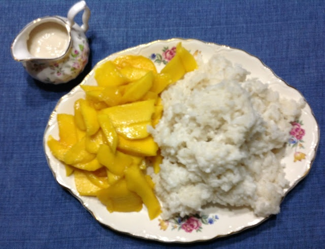 Coconut Sticky Rice with Mangoes