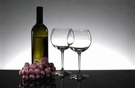 022 – Los Taninos de las uvas se encuentran en...  (A) = La pulpa  (B) = Las Hojas  (C) = El hollejo