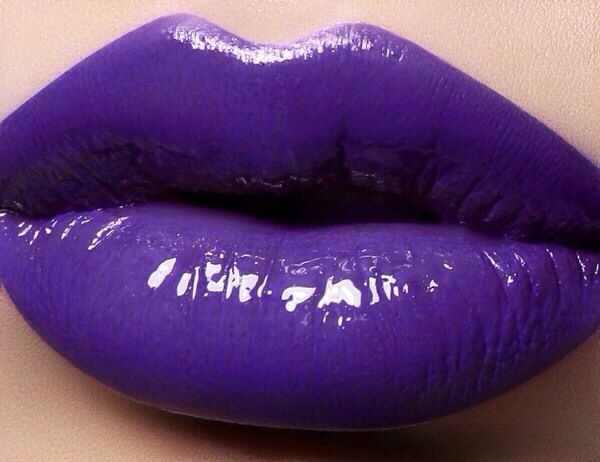 Purple Lips | Twisted Halloween Makeup | Pinterest