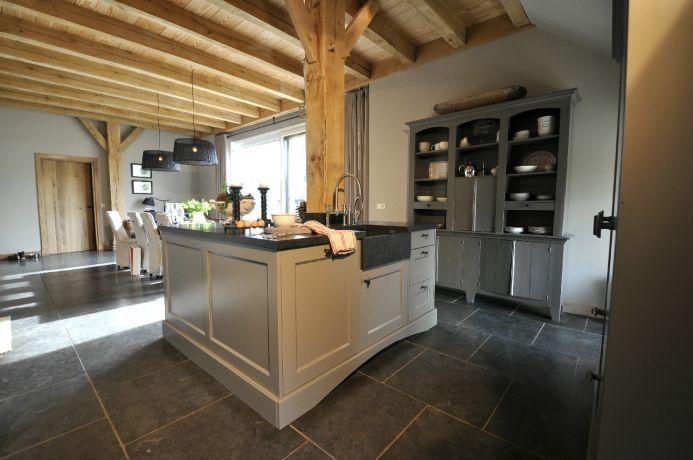 Witte Keuken Donkere Muur : Pin by Pattie Bonanfant on My Style ...