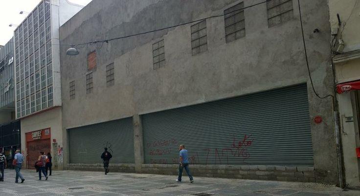 Os Agentes Vistores da Supbrefeitura Sé, lacraram no dia 08/05/14 a Loja Torra Torra, no centro de São Paulo, por falta de Licença de Funcionamento.