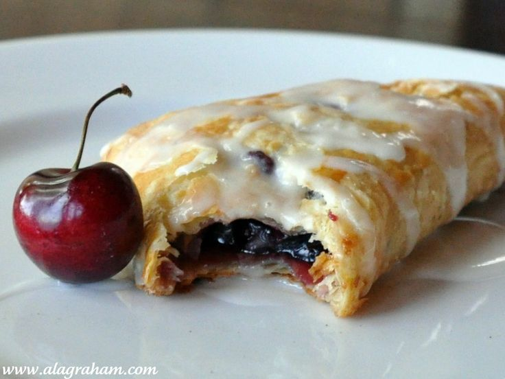 CHERRY PUFF PASTRY TURNOVERS | RECIPES / DINNER & DESSERTS | Pinterest