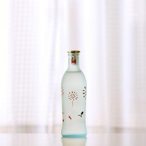 sake bottle, summer version | JAPAN SIMPLY COMPLEX. | Pinterest