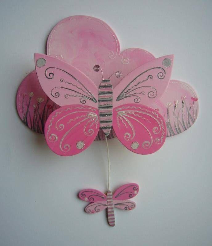 Pin by ambre fait maison on pour une chambre d 39 enfant for Decoration murale papillon 3d