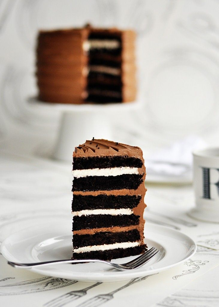{Sweetapolita} 6-layer malted chocolate cake with toasted marshmallow filling...or cupcakes