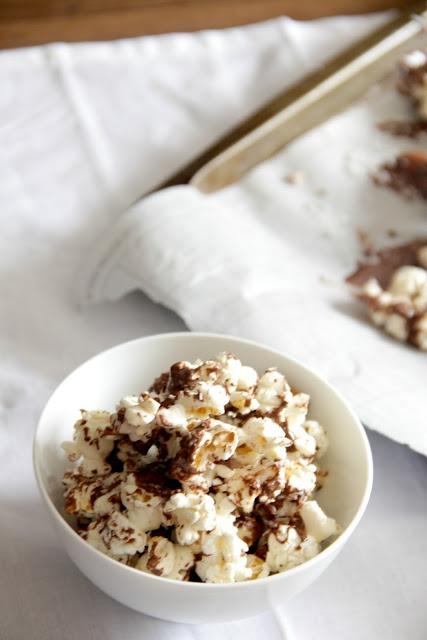 almond joy popcorn #gyco #popcorn #chocolate #almond #coconut